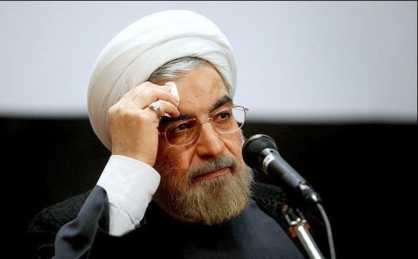 درخواست 14 کارشناس اقتصادی از روحانی: اسناد کارشناسی شوک بنزینی دولت را منتشر کنید